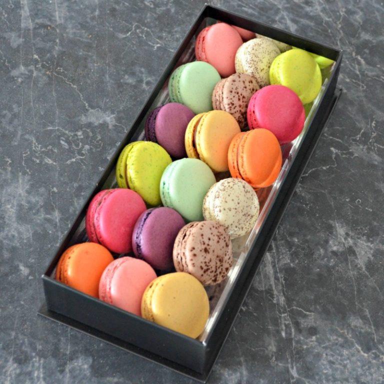 Coffret de 18 Macarons de Stéphane Pasco, Pâtissier Chocolatier Glacier à Nantes et Vertou