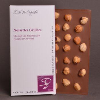 Tablette Noisettes Grillées Chocolat Lait Noisettes 35% de Stéphane Pasco, aux notes de Noisettes et Chocolatées