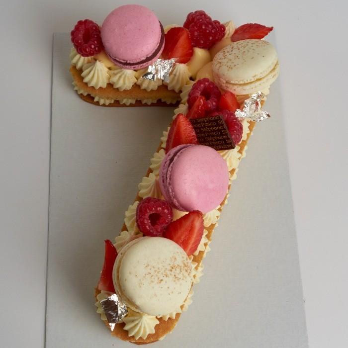 Number Cake, personnalisé en forme de Sept, de Stéphane Pasco