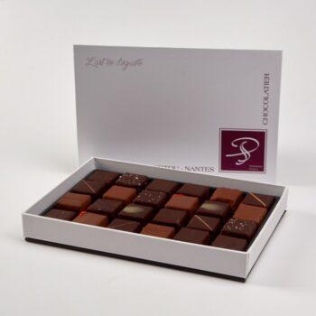 Coffret de Bonbons de Chocolat en assortiment Noir et Lait, de Stéphane Pasco, Pâtissier Chocolatier à Nantes et Vertou