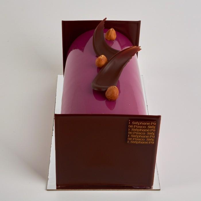 Bûche de Noël sans gluten Eric de Stéphane Pasco, au Chocolat Lait, Thé et Cassis